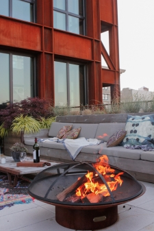 athena_calderone_terrace_outdoor_design_dumbo_nyc_wood_succulents_flowers_rawlins_calderone_design_eye-swoon-25