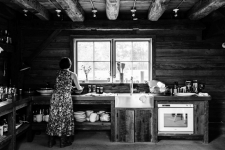 westwind_orchards_bw_kitchen_roasted_tomatoes_farm_chloe_crespi_photography_eyeswoon-14